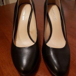 Gianni Bini round toe high heels size 7M